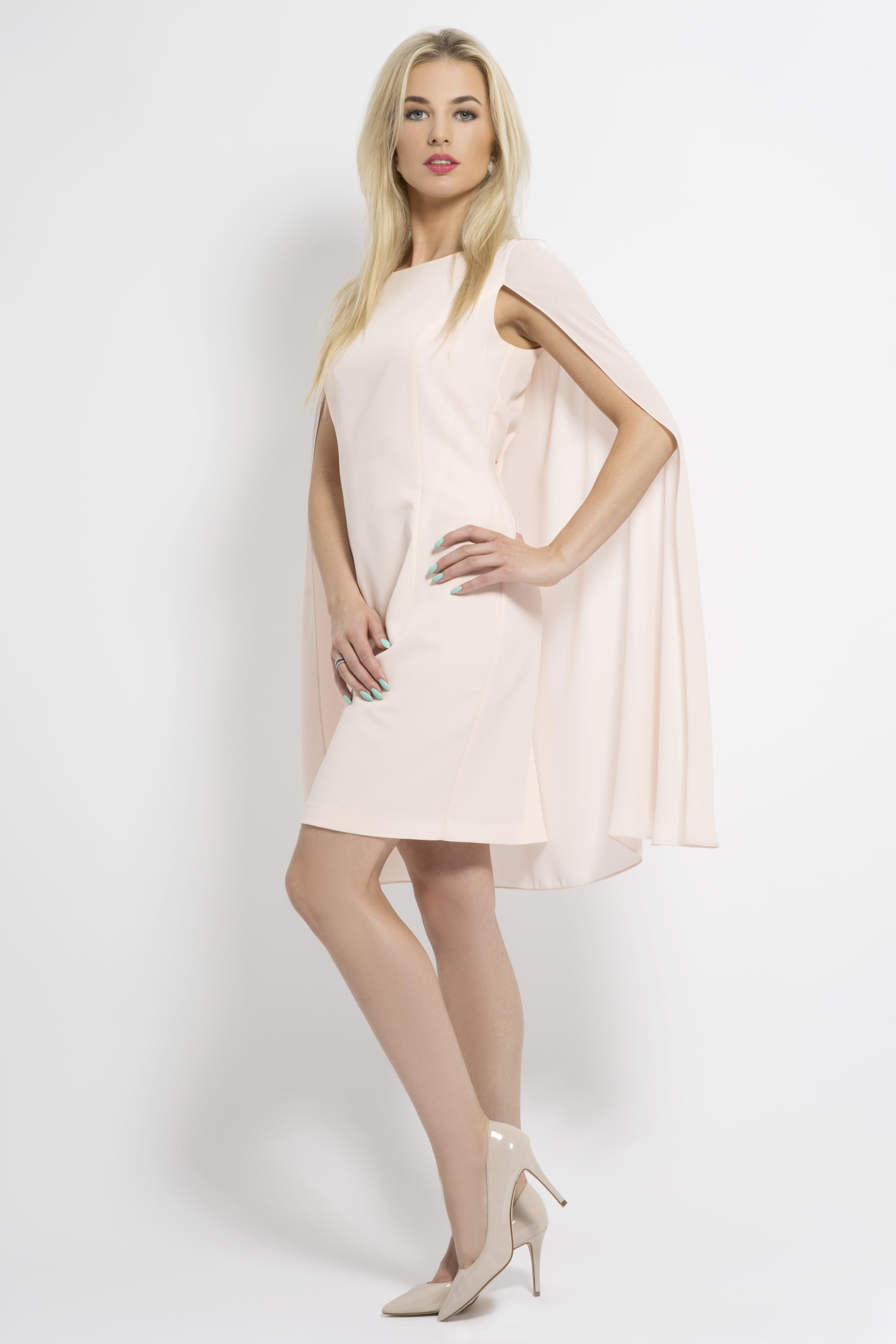 pastelowa sukienka z peleryna lattore