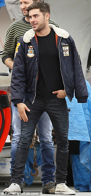 Zac Efron, źródło: dailymail.co.uk /fameflynetuk