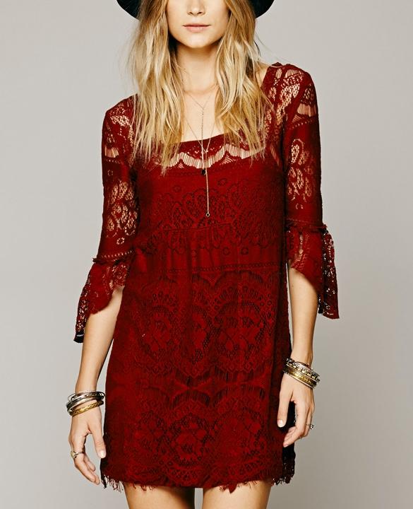 koronkowa sukienka bordowa dresslink