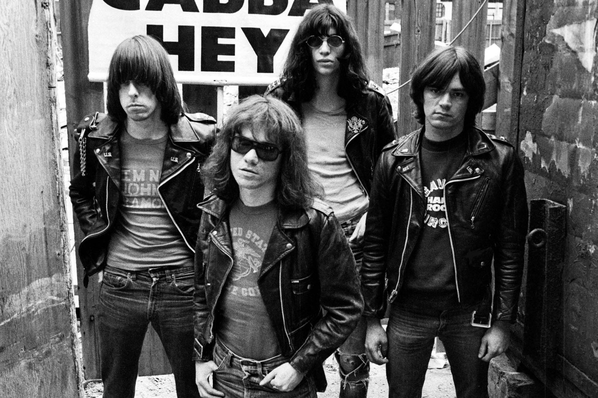 (FILE PHOTO) Tommy Ramone of The Ramones Has Died At The Age of 62 After Undergoing Treatment For Cancer UNITED KINGDOM - MAY 19: Photo of Johnny RAMONE and Dee Dee RAMONE and Tommy RAMONE and RAMONES; L-R. Johnny Ramone, Tommy Ramone (front), Joey Ramone (back), Dee Dee Ramone (Photo by Ian Dickson/Redferns)