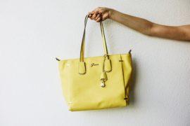 b89d48e0 Kolorowe torebki - jak nosić? • Ola Brzeska